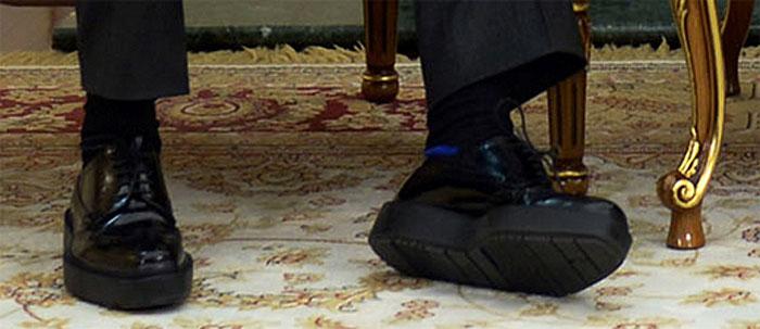 Туфли Дмитрия Медведева на ох@енной платформе!