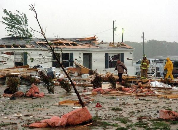 tornado-i-navodnenie-v-texase-na-granice-s-meksikoj-smotret-video
