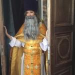 Собчак Ксения в бороде и рясе оскорбила верующих СМОТРЕТЬ ВИДЕО