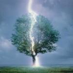 Молния убила подростка в самарской области СМОТРЕТЬ ВИДЕО