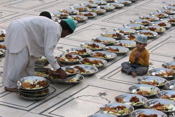ramadan-nachalo-velikogo-posta-u-musulman-smotret-video