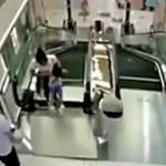 В Китае эскалатор размолол женщину СМОТРЕТЬ ВИДЕО