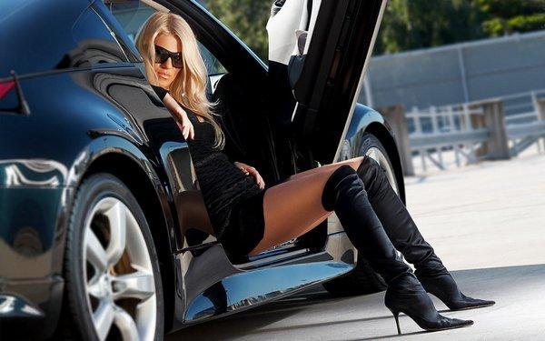 девушки на машине видео
