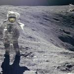 Американский астронавт Чарльз Дьюк оставил на Луне свою семью ФОТО
