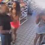 В США две негритянки изнасиловали негра прямо в супермаркете ВИДЕО