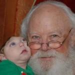 В США малыш без большой части мозга и черепа встречает Санту  ФОТО