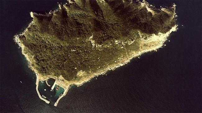 v-yaponii-est-ostrov-okinosima-gde-zapreshheno-poyavlyatsya-zhenshhinam