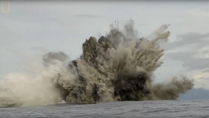 robot-snyal-tainstvennyx-akul-v-podvodnom-vulkane-video
