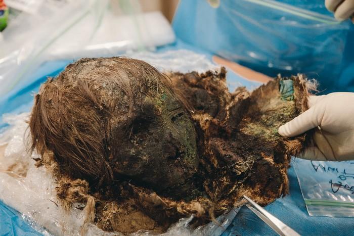 najdena-mumiya-polyarnoj-zhenshhiny-iz-12-veka-foto