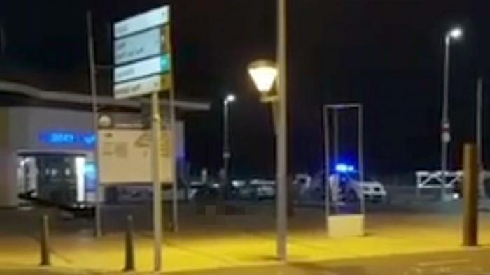 video-iz-kambrilsa-gde-proizoshlo-vtoroe-terroristicheskoe-napadenie-18